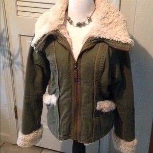 Big Chill army green faux fur zippered coat LARGE